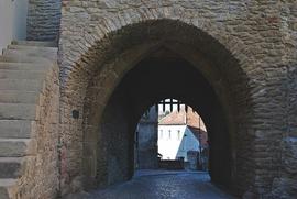 XIV wieczna Brama Wodna, wejście do miasta