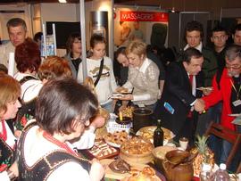 targi turystyczne we Wrocławiu 2009 - degustacja potraw
